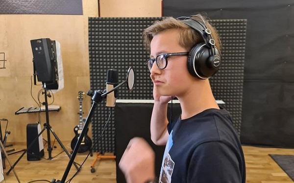 Antek Szydłowski - znacie go z The Voice Kids, teraz podbija Talentobranie 2020!