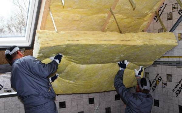Skuteczna izolacja przeciwwilgociowa dachu i ocieplenie poddasza